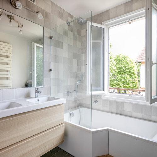 Salle de bain avec un carrelage gris photos et id es for Salle de bain avec carrelage gris clair