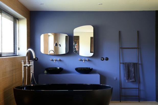 color en el ba o opta por el azul para un ambiente fresco y luminoso. Black Bedroom Furniture Sets. Home Design Ideas
