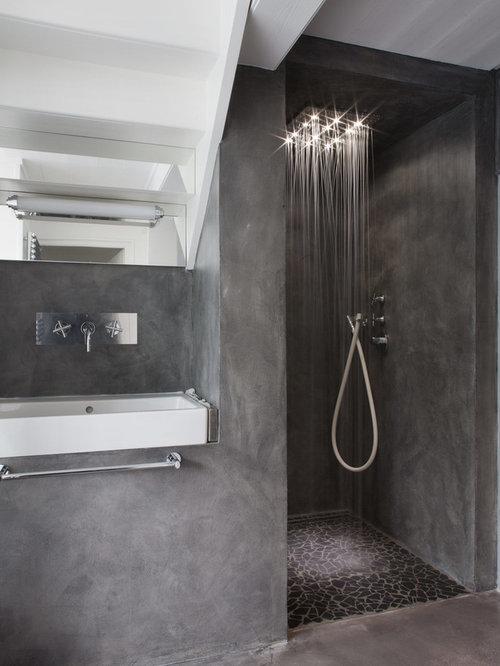 Salles de bains et wc avec un sol en b ton photos et - Taille douche a l italienne ...