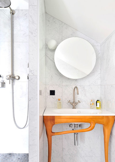Transitional Bathroom by Isabelle Bouchet architecte