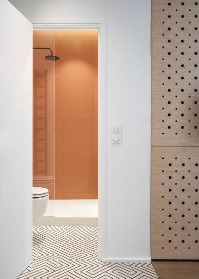 Scandinavian Bathroom by atelier daaa