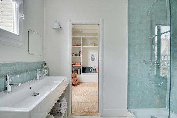 Transitional Bathroom by EL Intérieurs