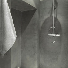 Contemporary Bathroom by Décoration et provence