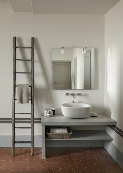 farmhouse bathroom by dcoration et provence