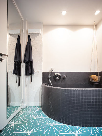 Contemporary Bathroom by Atelier Pelpell