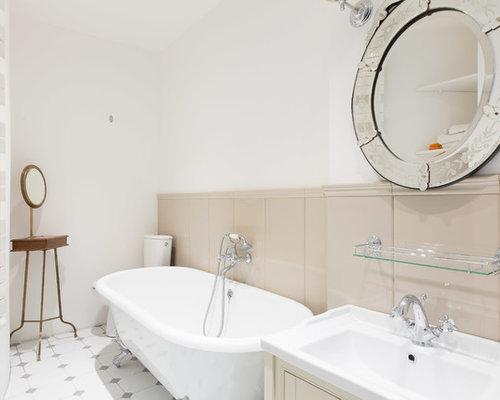 Salle de bain avec une baignoire sur pieds photos et for Salle de bain avec baignoire sur pied