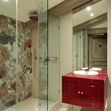 Contemporary Bathroom by JORGE GRASSO & ASSOCIES