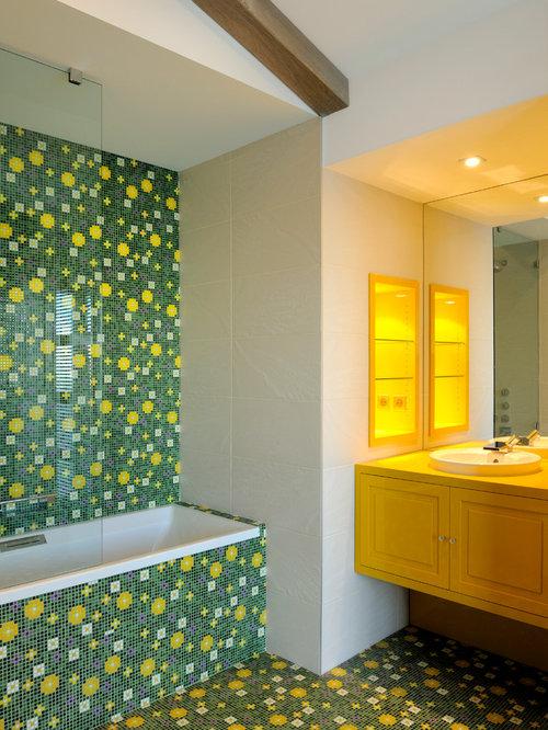 Salle de bain contemporaine photos et id es d co de for Carrelage jaune salle de bain