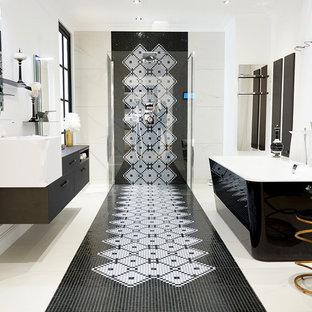 Idées Déco Pour Une Salle De Bain Principale Contemporaine De Taille  Moyenne Avec Des Portes De