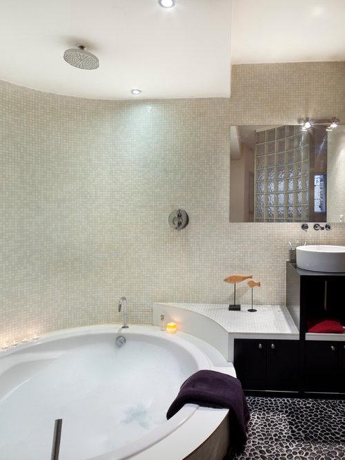 salle de bain avec un sol en galet : photos et idées déco de ... - Carrelage Galets Salle De Bain