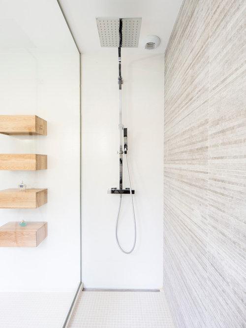 Salle d 39 eau avec un sol en carrelage de terre cuite - Petite salle d eau avec douche ...