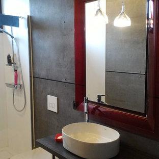 Bagno Con Piastrelle In Metallo Bordeaux Foto Idee Arredamento