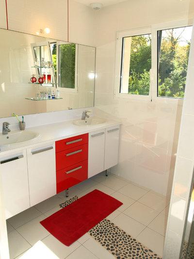 bien tre transformez votre salle de bains en un havre de relaxation. Black Bedroom Furniture Sets. Home Design Ideas
