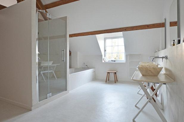 Visite priv e une maison de retraite se mue en villa for Salle de bain maison de retraite