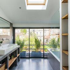Contemporary Bathroom by AAACSC