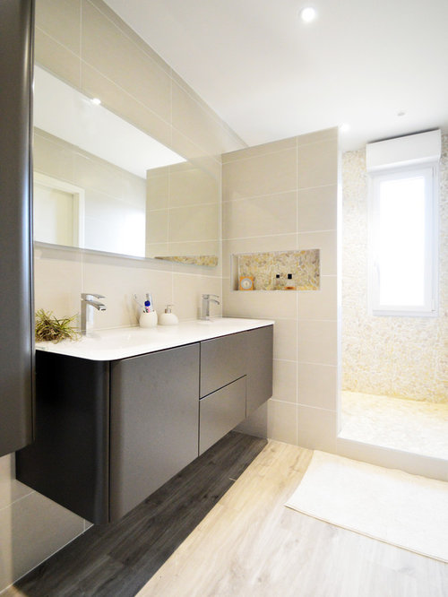 Bath design ideas pictures remodel decor with black cabinets and beige walls - Black and beige bathroom ...