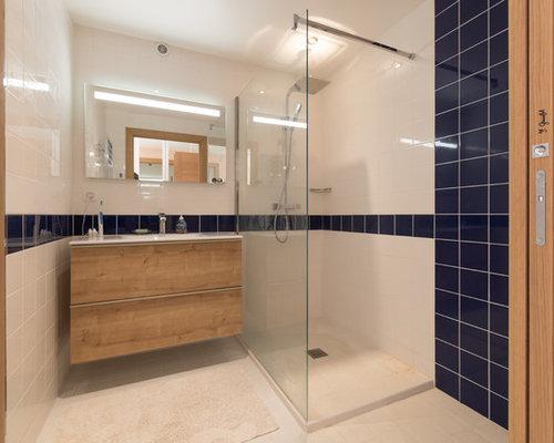Salle d 39 eau campagne avec un placard porte vitr e - Porte de placard vitree ...