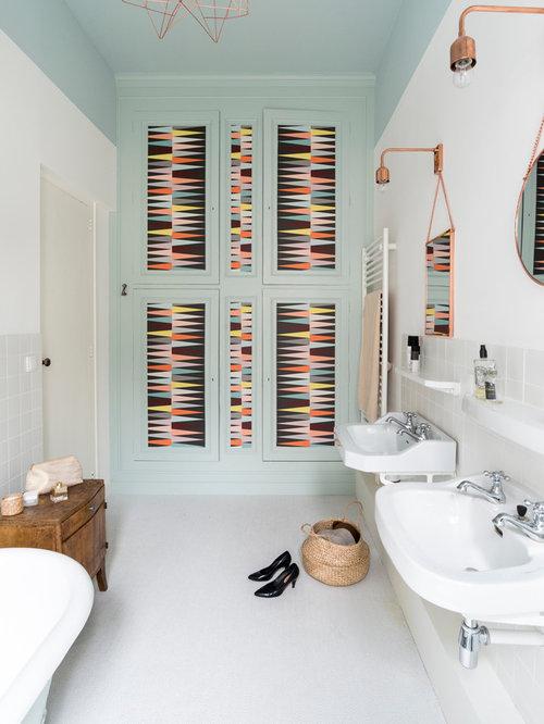 Salle de bain scandinave avec un mur bleu : Photos et idées déco ...
