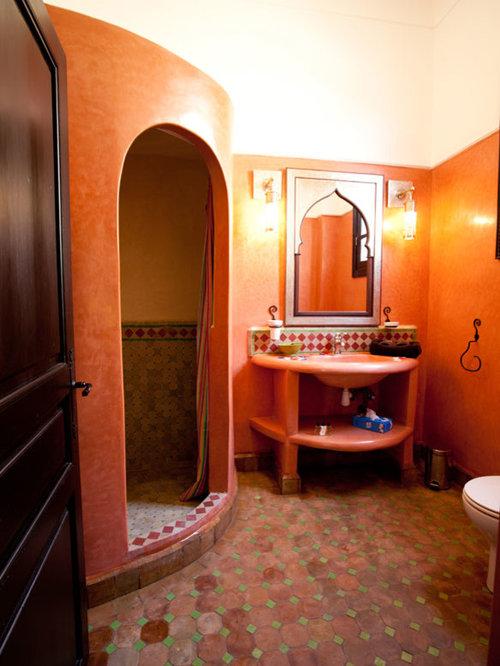 Mediterrane badezimmer mit oranger wandfarbe ideen design bilder houzz - Wandfarbe mediterran ...