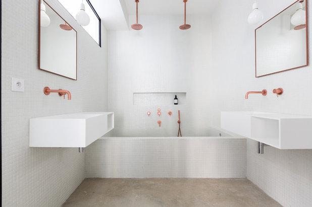 Industriel Salle de Bain by STENE POCHAT Architectes