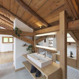 Exemple d'une salle de bain montagne.