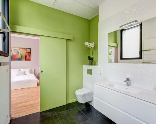 salle de bain avec un mur vert photos et id es d co de salles de bain. Black Bedroom Furniture Sets. Home Design Ideas