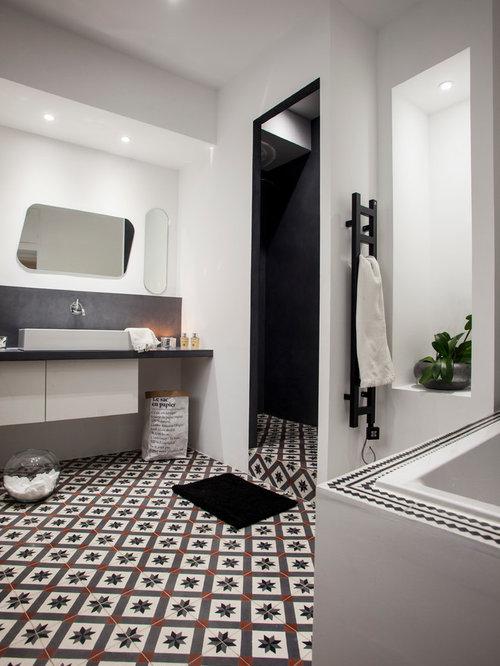 Foto e idee per stanze da bagno stanza da bagno con pavimento con cementine e piastrelle marroni - Bagno piastrelle marroni ...