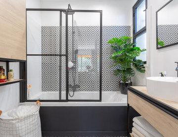 Salle de bain moderne & carrelage graphique
