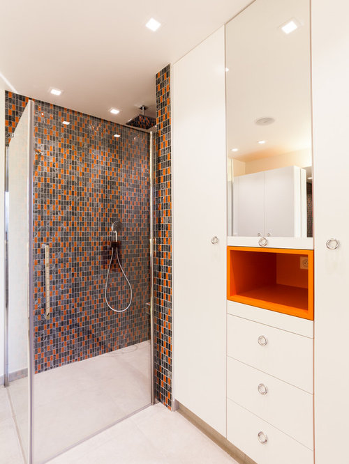 Bathroom Design Ideas, Renovations & Photos with Orange Tiles
