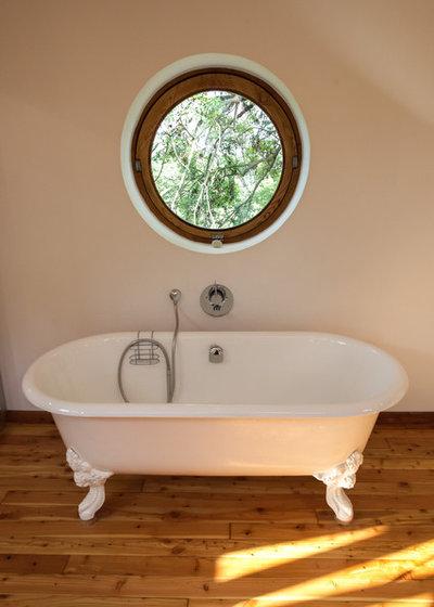 combinez lumi re et design gr ce des baies vitr es hors du commun. Black Bedroom Furniture Sets. Home Design Ideas
