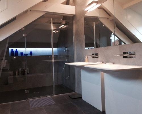Salle de bain sous pente for Seche serviette sous pente