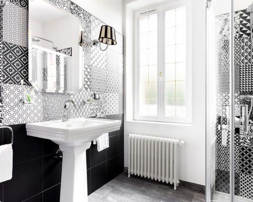 Salle de bain avec un carrelage noir et blanc : Photos et idées ...