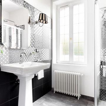 Salle de bain style art déco chic et intemporel