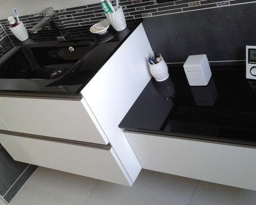salle de bains en m lamin blanc brillant. Black Bedroom Furniture Sets. Home Design Ideas