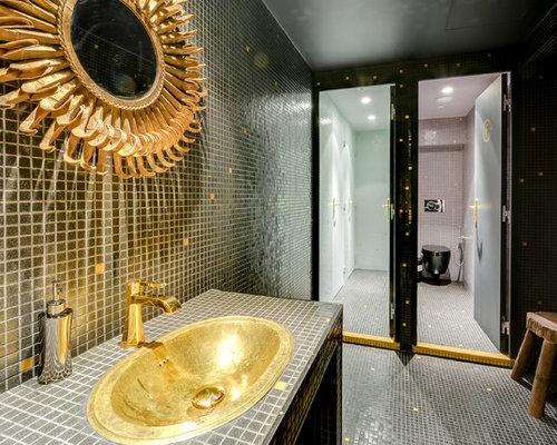 cette image montre une grande salle deau design avec un lavabo pos un - Carrelages Brun 70s Salle De Bains