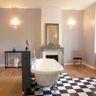 Idée de décoration pour une salle de bain tradition.