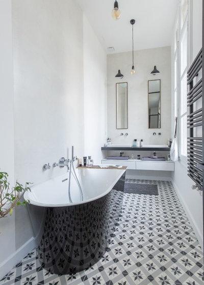 Contemporary Bathroom by Brengues Le Pavec architectes