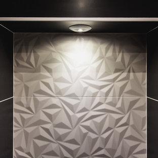 Immagine di una piccola stanza da bagno con doccia design con ante a filo, ante in legno chiaro, doccia a filo pavimento, piastrelle bianche, piastrelle in ceramica, pareti bianche, pavimento in cementine, lavabo a consolle, top in superficie solida, pavimento arancione e porta doccia a battente