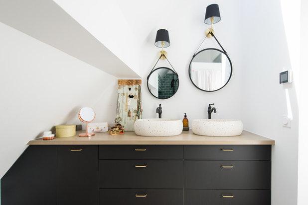コンテンポラリー 浴室 by Jours & Nuits