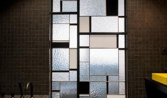 """Sobriété et élégance : des vitraux d'inspiration """"Arts décoratifs"""""""