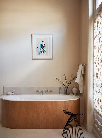 Modern Badezimmer by A+B KASHA Designs
