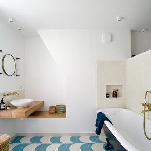 Aménagement Du0027une Salle De Bain Principale Contemporaine De Taille Moyenne  Avec Une Baignoire Sur