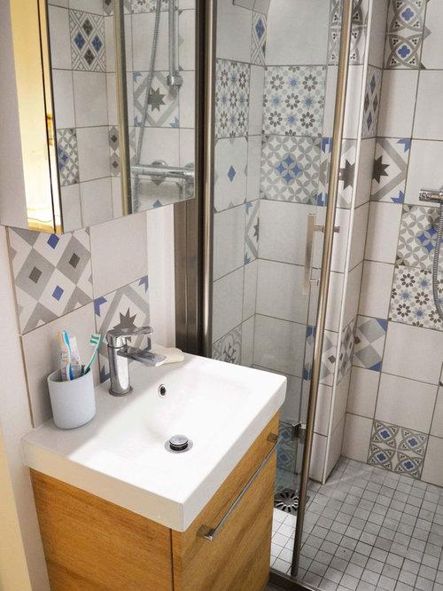 Skandinavische Badezimmer Mit Farbigen Wänden: Design-ideen ... Skandinavische Badezimmer