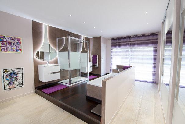 Salle de bains de la semaine une suite parentale hors norme for Salle de bain dans suite parentale