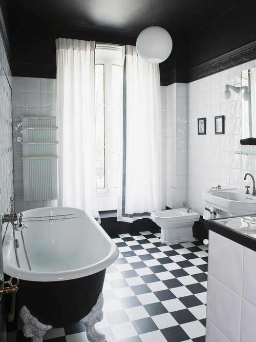salle de bain avec un carrelage noir et blanc photos et id es d co de salles de bain. Black Bedroom Furniture Sets. Home Design Ideas