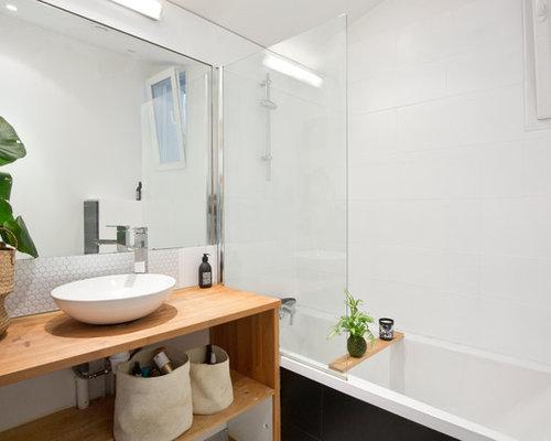 Salle de bain avec un carrelage noir photos et id es for Petit placard salle de bain