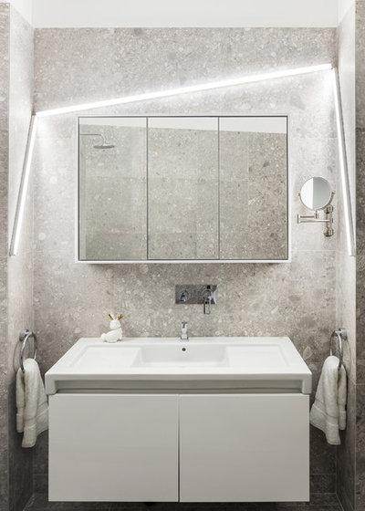 コンテンポラリー 浴室 by Studio Razavi