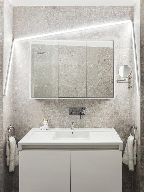 Salle de bain avec un carrelage gris photos et id es - Modele de petite salle de bain ...