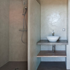 Contemporary Bathroom by frederique pyra legon architecte