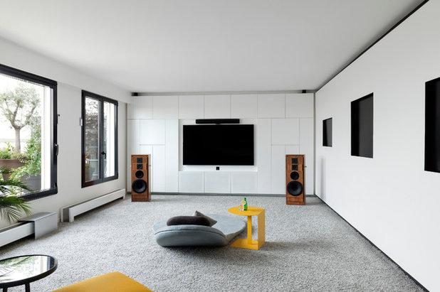 Contemporary Family Room by Agence Glenn Medioni
